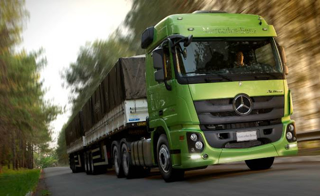Actros mercedes benz refer ncia em opera es do for Mercedes benz marketing mix