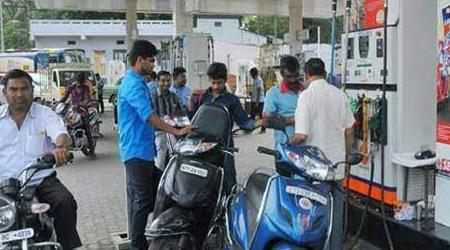 पेट्रोल 3.77 रुपए, डीजल 2.91 रुपए सस्ता
