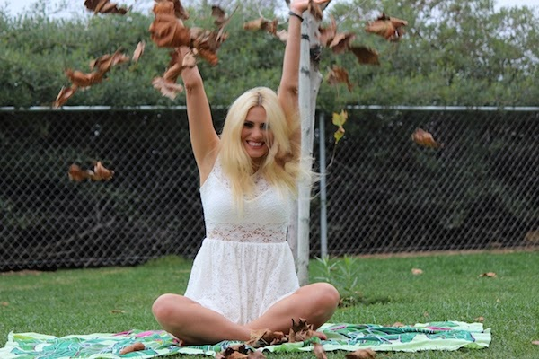 Anne-Cohen-The-Autumn-Leaves-Fall-arcwrites