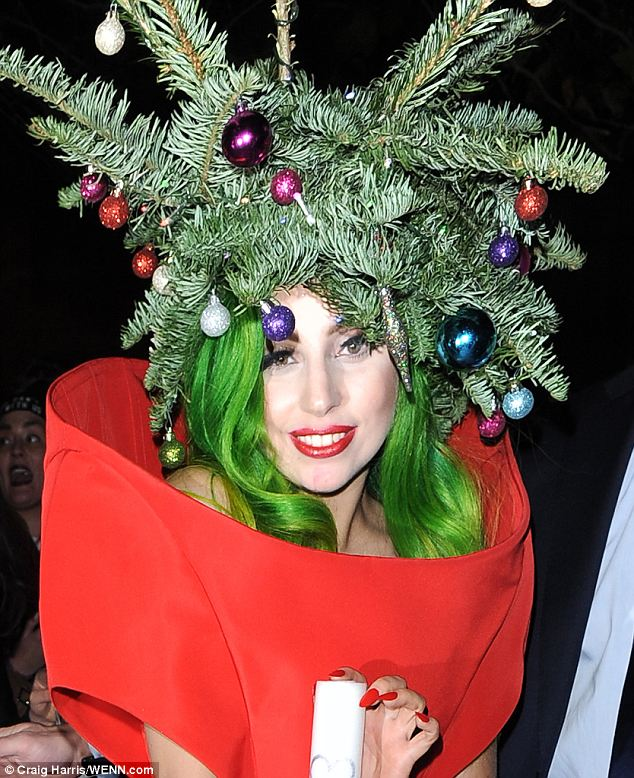 There are so many ways which people can take for celebrating special moment  in their life. It is sure that some people just want to throw a party for  ... - Lady Gaga's Christmas Celebration With Christmas Tree Song ~ News