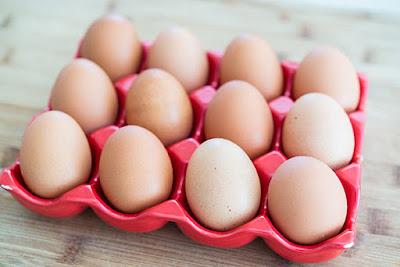أغذية لتقوية النظر  Eggs