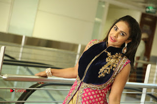 Telugu Actress Sri Reddy Mallidi Stills in White Beautiful Dress at Marriage Needs Bridal Fashion Week 2017 Logo Launch  0195.JPG