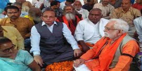 sc-st-act-me-huye-sansodhan-ke-khilaaf-purv-vidhyak-ganga-singh-chauhan-ka-aamran-ansan