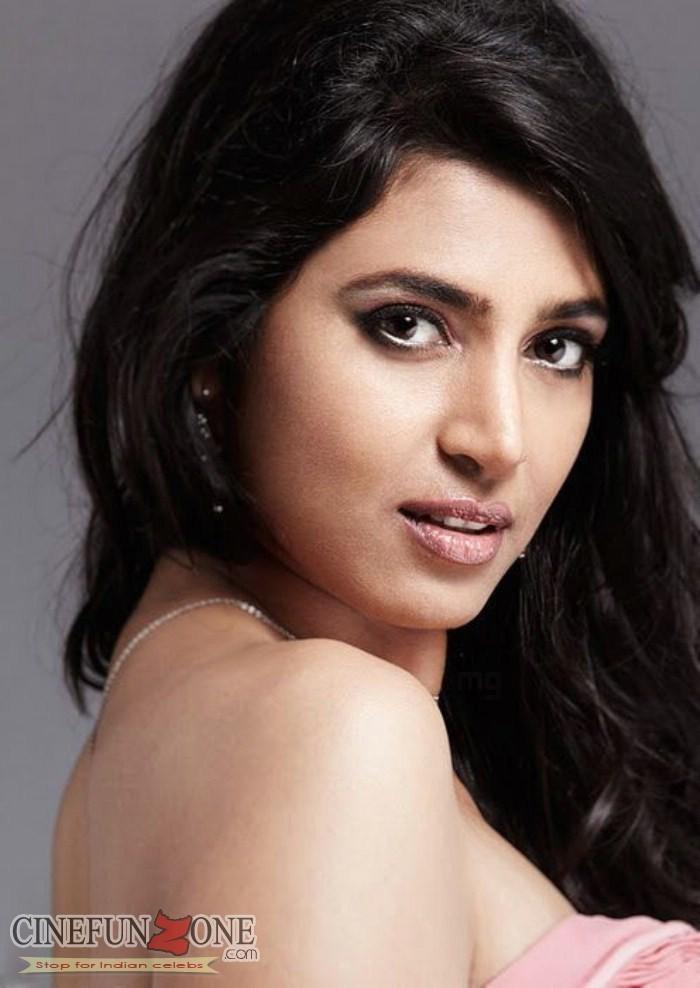Actress kasthuri nude