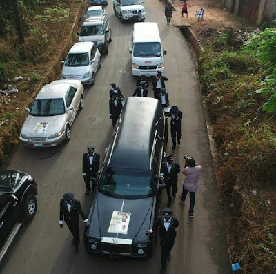 Exclusive Photos from the burial of Aki & Pawpaw producer, Kasvid