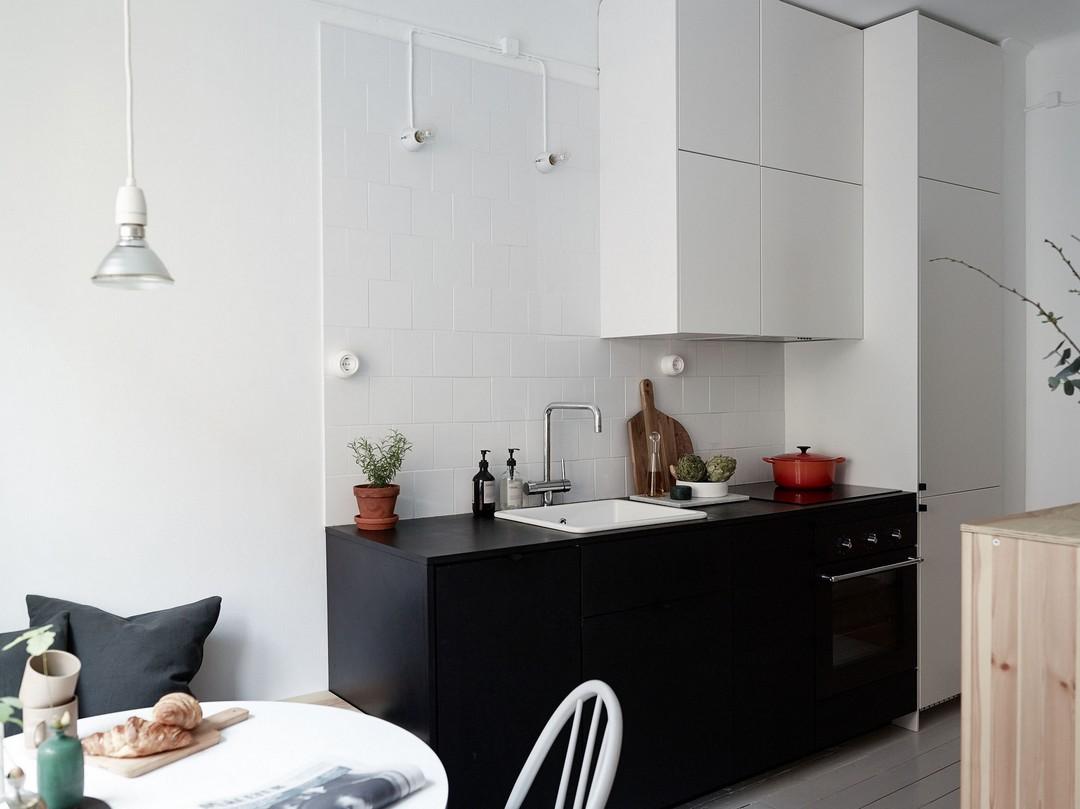 d couvrir l 39 endroit du d cor une couleur bleu marine. Black Bedroom Furniture Sets. Home Design Ideas