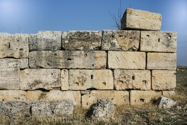 Muro de sillería de gran tamaño