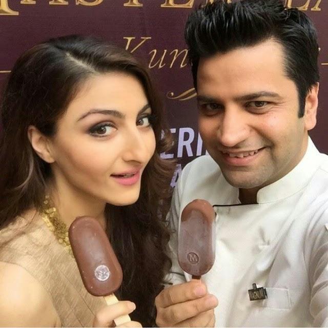 soha ali khan khemu takes selfie with chef kunal.  , Soha Ali Khan Latest Hot Pics From Magnum Events