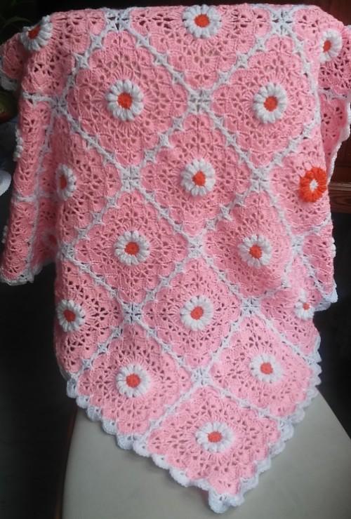 Pink Daisy Baby Blanket - Free Pattern