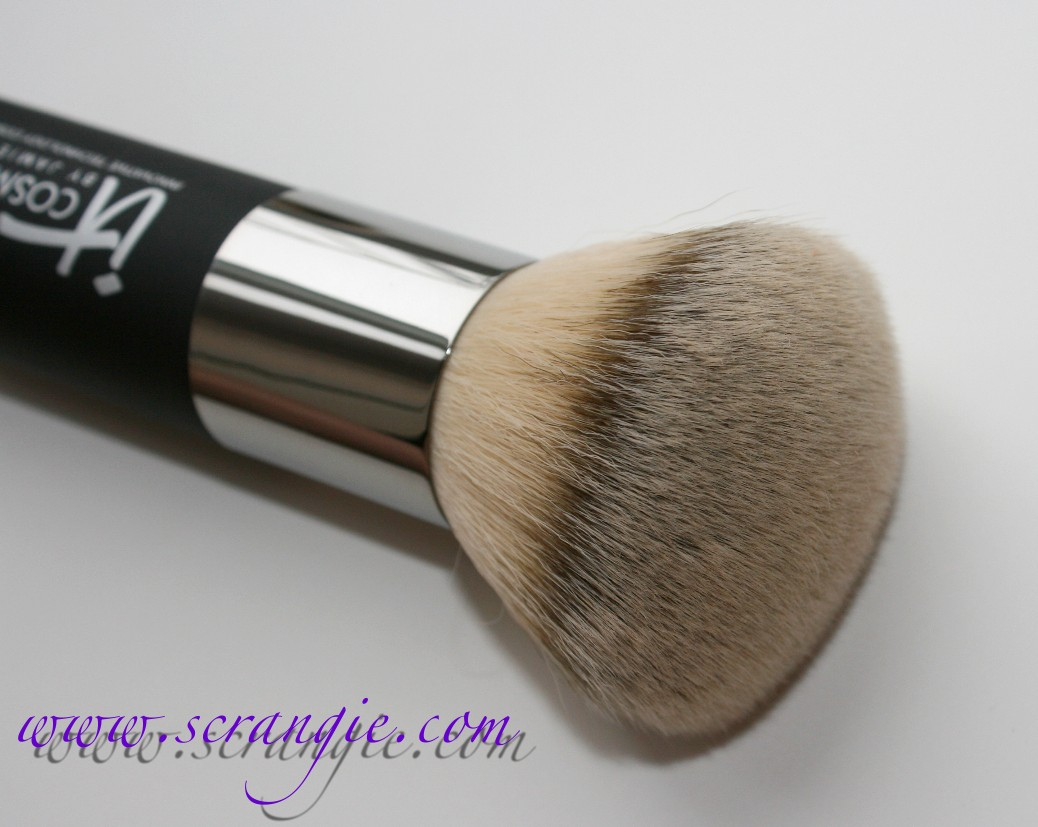Heavenly Luxe Complexion Perfection Brush #7 by IT Cosmetics #7