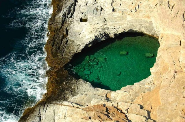 H μαγευτική φυσική πισίνα της Θάσου
