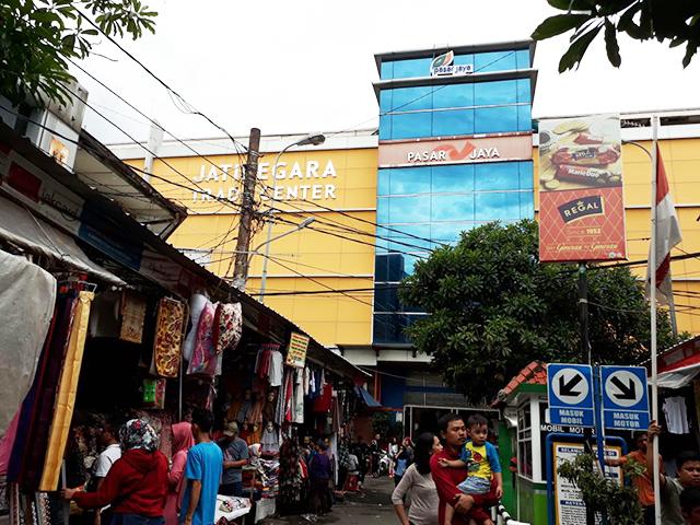 Cari Baju dan Accesories Pernikahan, Yuk ke Pasar Jatinegara Mester