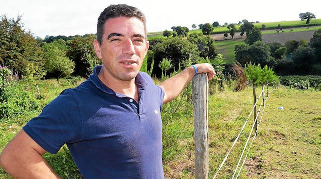 Originaire de Pléven, Gaëtan Lormel, 39 ans, se prépare pour sa rentrée au séminaire de Rennes, le 12 septembre. ©