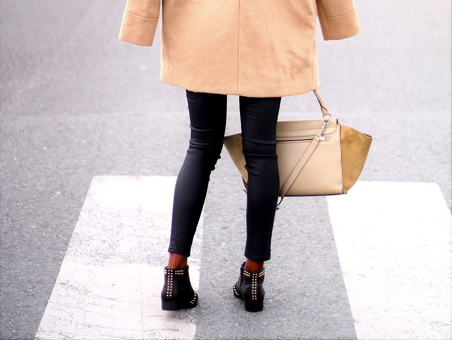 boots-cloutees-anines-bing-sac-celine-trapeze-beige