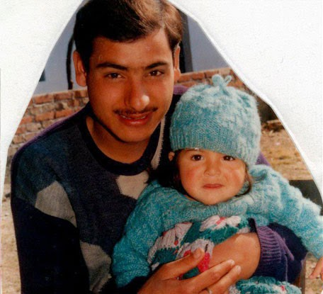 Anushka Sharma Childhood pictures with Father