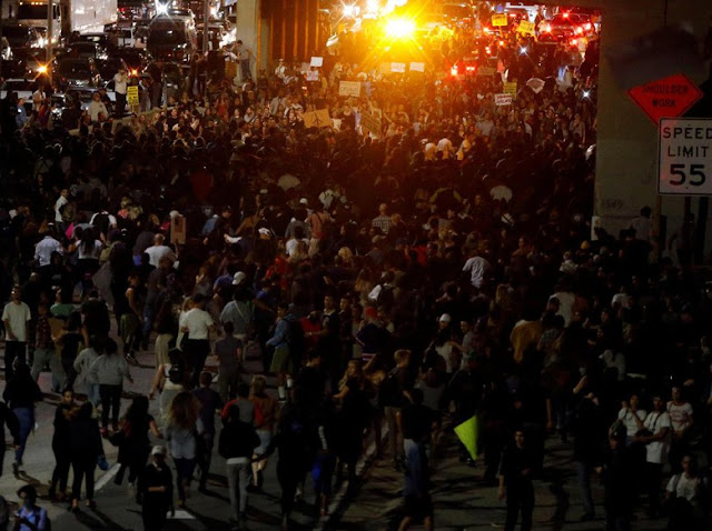 Duh! Demo Anti-Trump Terus Berlanjut di AS, Meluas Hingga ke 25 Kota : Detikberita.co Terhangat Hari Ini