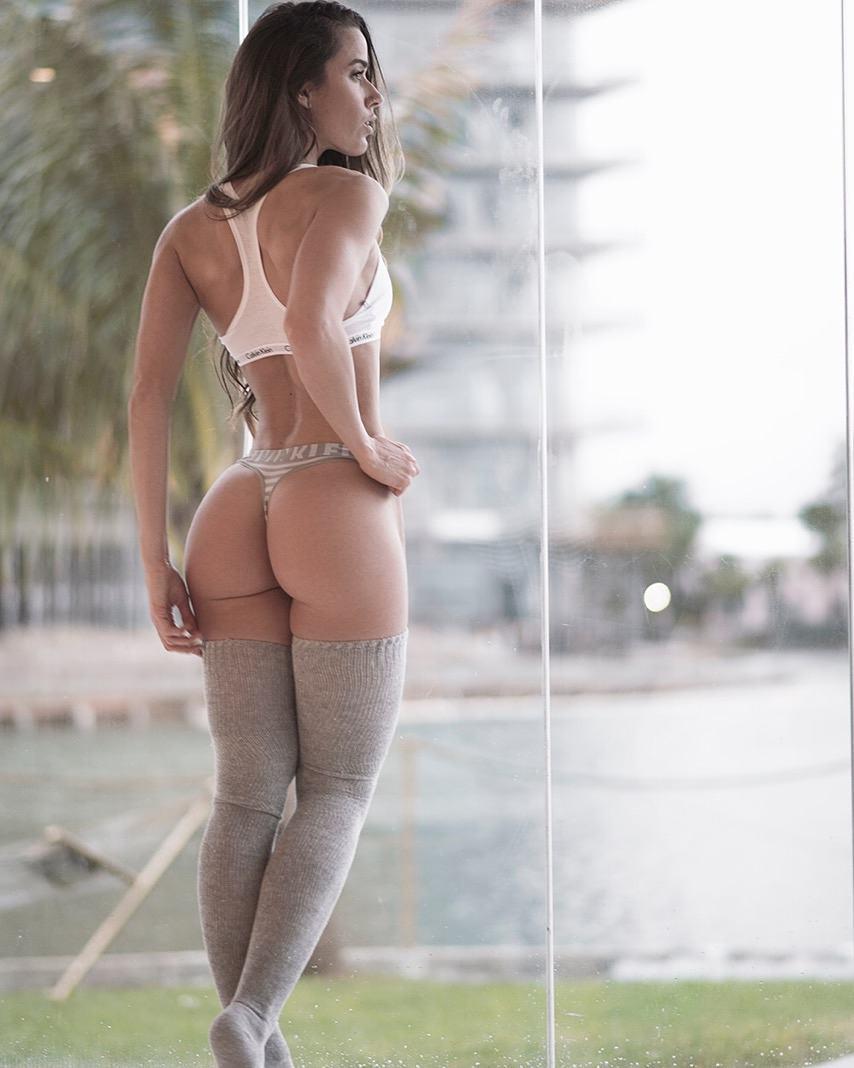 Goddess fitness model Valentina Lequeux