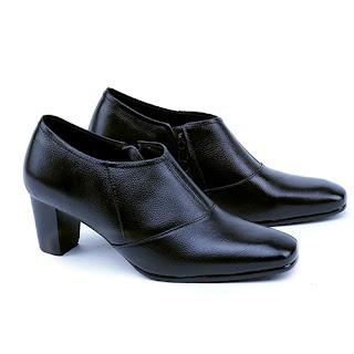 sepatu kerja wanita boots,gambar sepatu bots kerja,model sepatu kerja boots 2017,grosir sepatu kerja wanita murah,suplier sepatu kerja bandung,gambarsepatu boots korea kulit,sepatu wanita hak 5cm formal