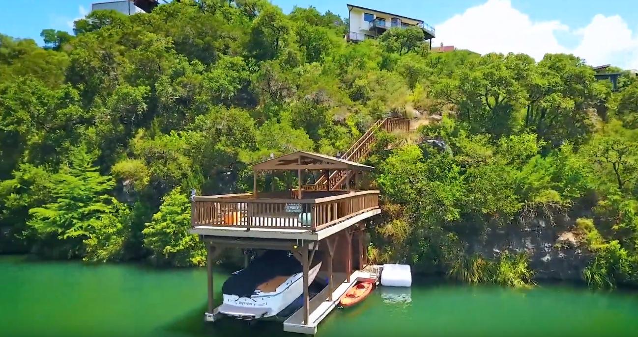 Tour Lake Austin Waterfront modern home vs. 13 Interior Design Photos