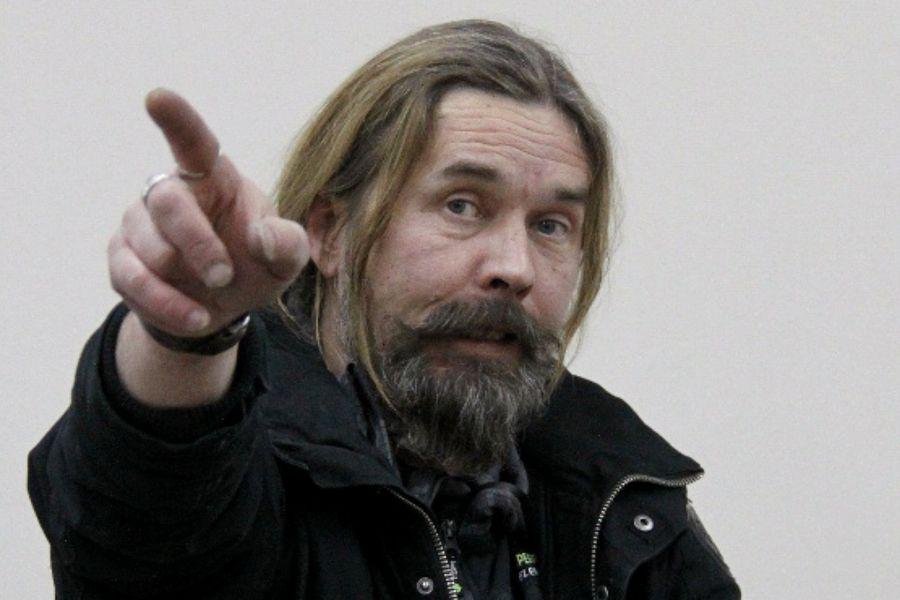 Сергій Павук Троїцький не зійшовся з опонентом щодо вибору алкоголю, за що й «отримав»