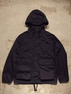 "Engineered Garments ""Lt Parka in Dk.Navy PC Poplin"""
