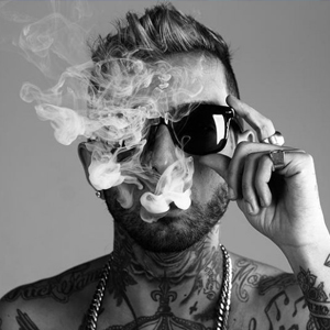 Entre A Fumaça – Diego Thug