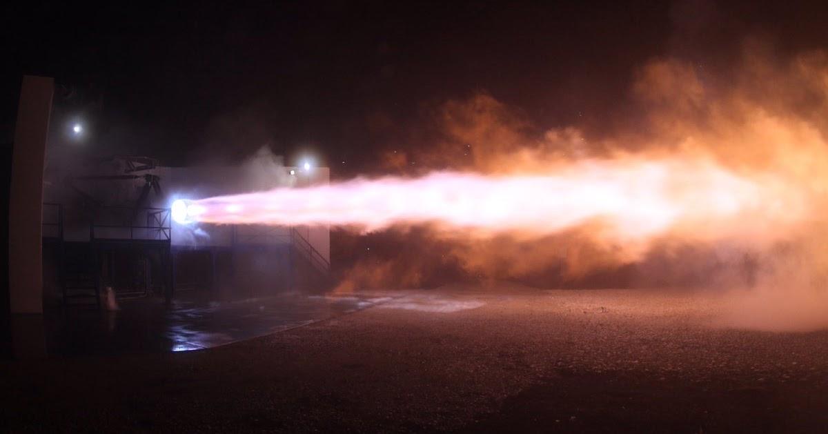SpaceX, effettuato il 1° test sul nuovo motore Raptor che porterà gli esseri umani su Marte