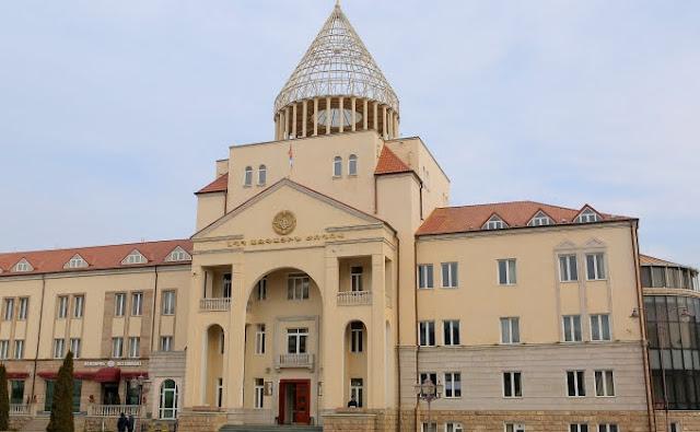 Rusia asegura que quiere un arreglo pacífico en Nagorno Karabaj