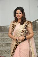 Shilpa Chakravarthy in Lovely Designer Pink Saree with Cat Print Pallu 025.JPG