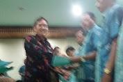 Camat Tambora Dampingi Daniel Azka Lantik RT/RW Se-Kelurahan Kalianyar.