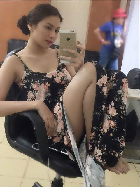 alyssa lagahino sexy mirror selfie pics 05