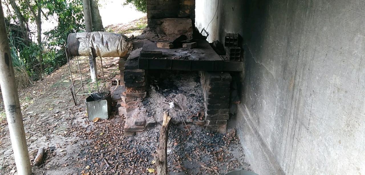 Polícia Ambiental flagra depósito irregular de palmito em São João da Boa Vista (SP)