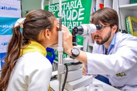 Alunos de Caruaru recebem exames de vista e óculos gratuitos para auxiliar no processo de aprendizagem