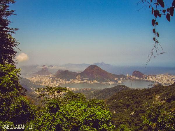 Picture of Emperor's Table at Floresta da Tijuca, Rio de Janeiro, by Pablo Lara H