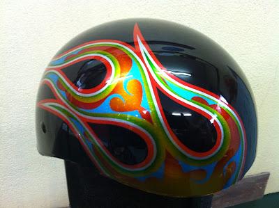 1746108476 - カスタムペイント工程  ダックテールヘルメット 奈良フレイムス