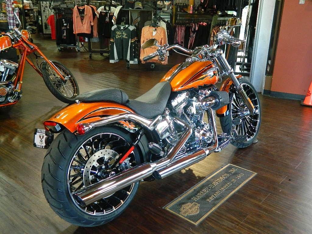 harley davidson cvo breakout fxsbse owner s manual 2014 rh harley manuals  cc 2013 Harley CVO Breakout Softail Harley-Davidson Custom Breakout