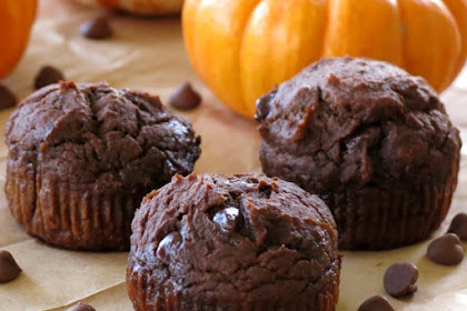 Healthy Chocolate Pumpkin Muffins