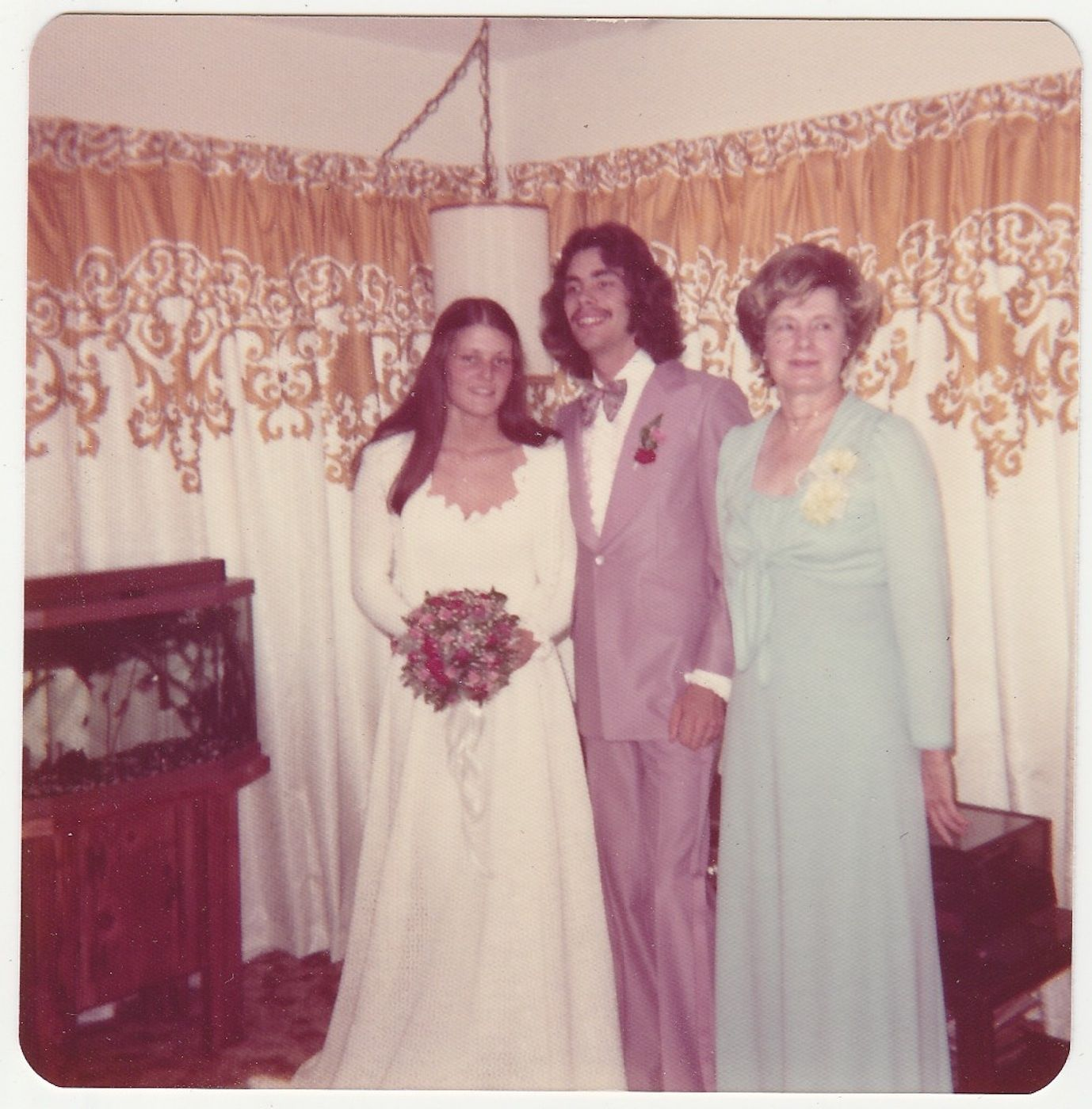 70 Interesting Vintage Polaroid Snaps of Weddings in the 1970s ...