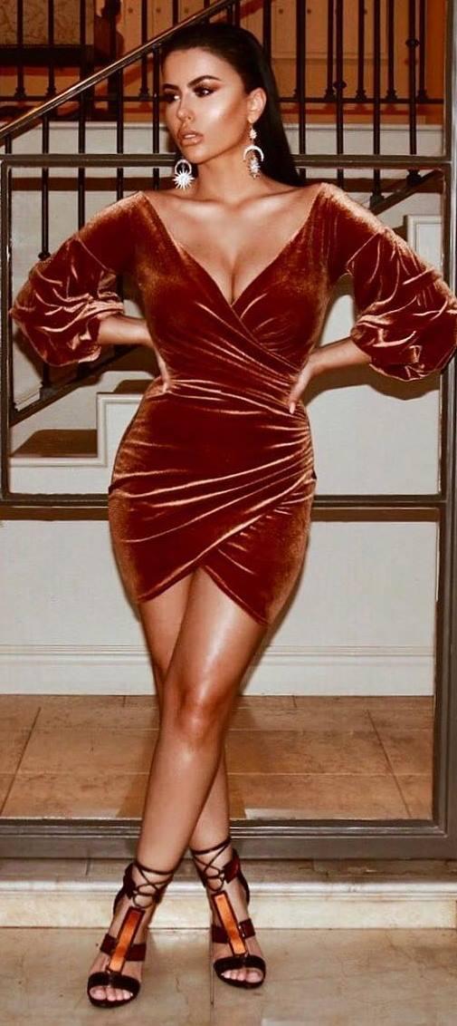 amazing outfit _ bronzed velvet dress + heels