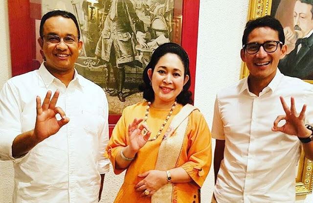 Salam 3 Jari dari Titiek Soeharto