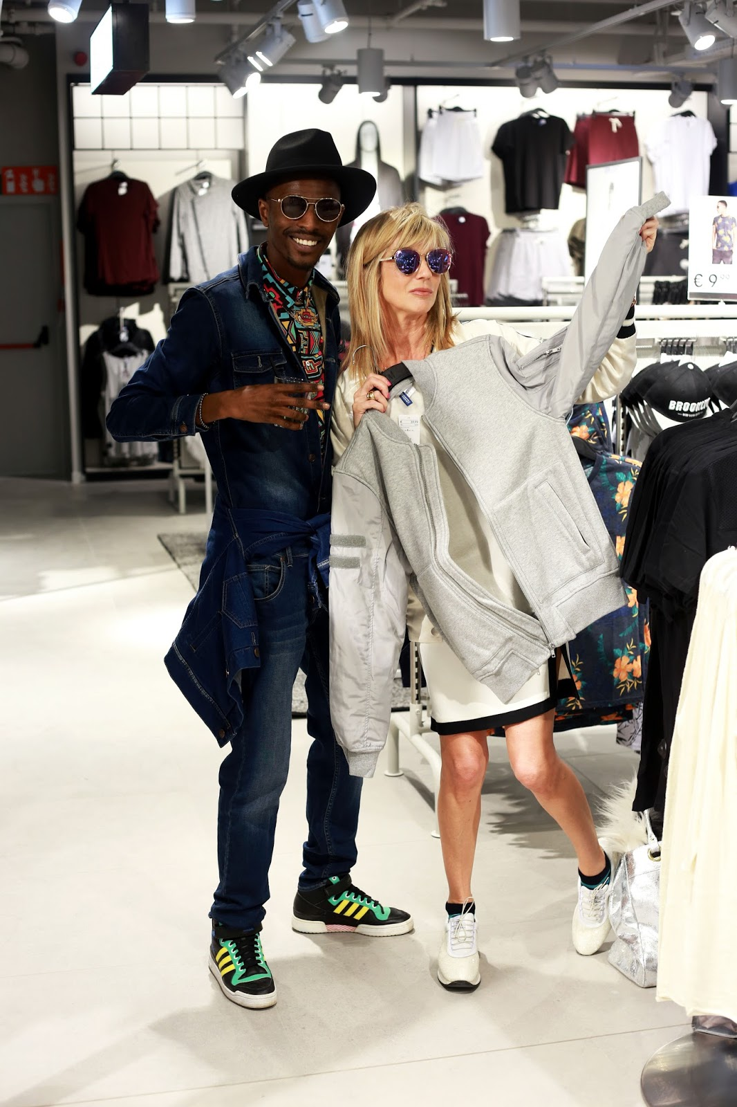 Good Times at H&M Beach at the new H&M Store in Antwerp - wearing the Hm x Coachella collection