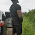 Nollywood actor, Jim Iyke spotted urinating by the road side (photo)