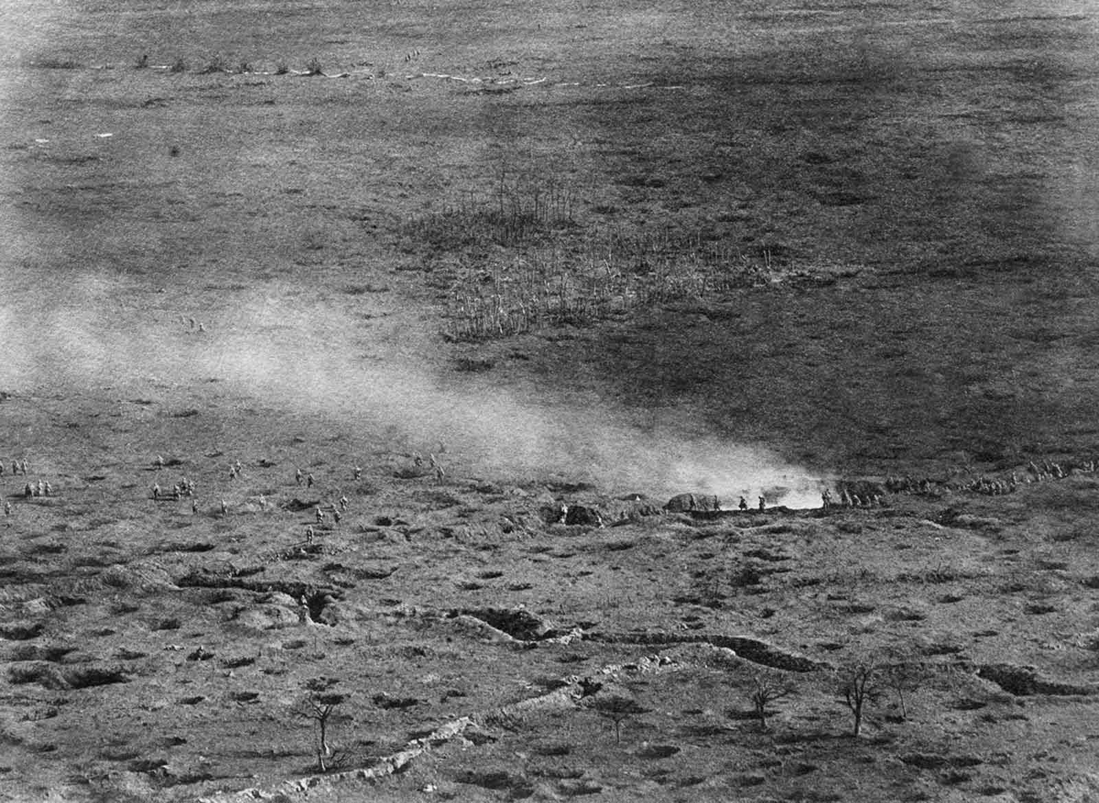 Una vista aérea de una ofensiva francesa.