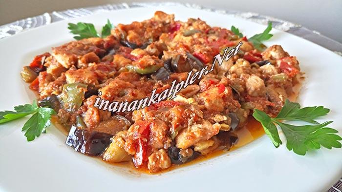 Fırında Tavuklu Patlıcan Oturtma Tarifi - inanankalpler.net