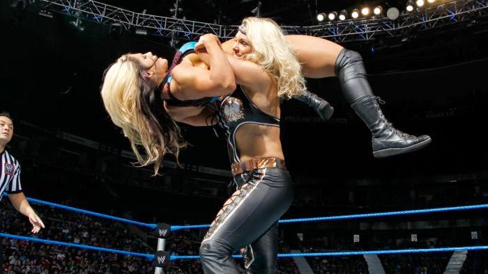 Beth Phoenix-Kaitlyn-WWE-WWE Divas