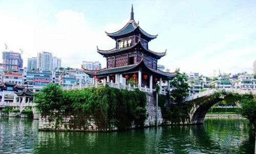 หอเจี่ยซิ่ว (Jiaxiu Tower: 甲秀楼) @ www.ziyoumao.com