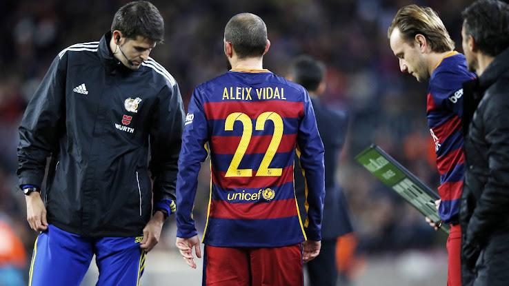 a29c67650be Arda Turan x Aleix Vidal x FC Barcelona | Football Needs Numbers ...