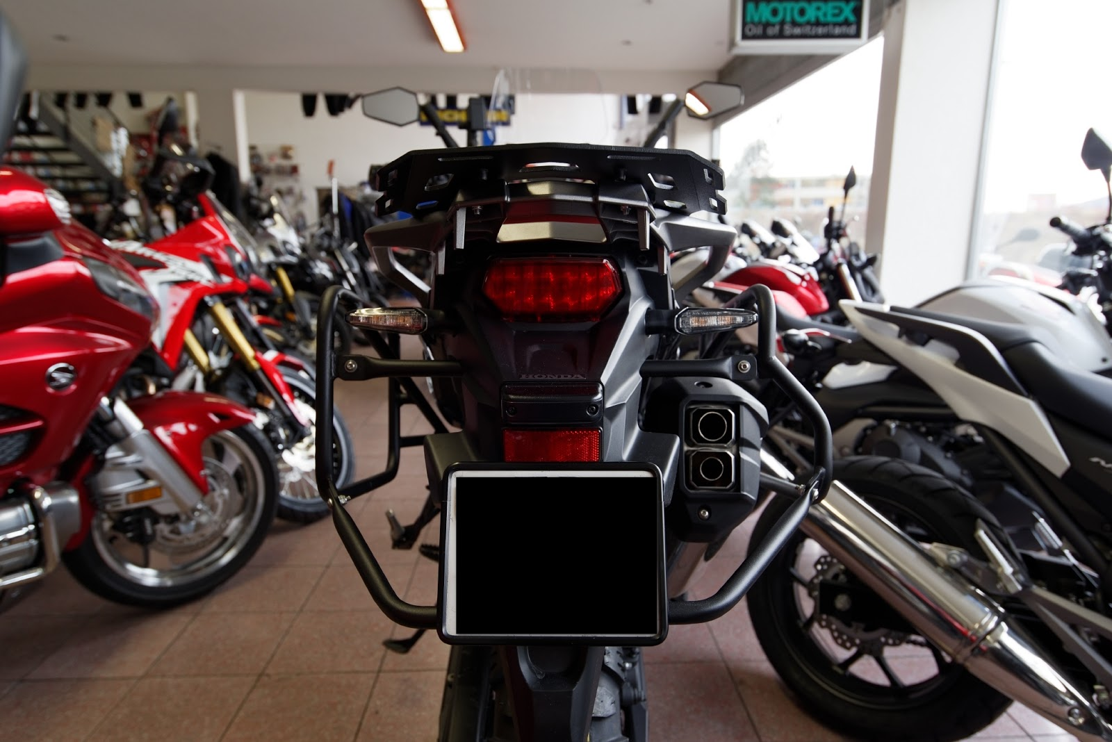 Africa twin accessoires for Six accessoires