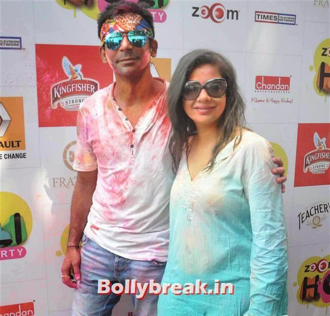 Sunil Grover and Sambhawna Seth, Sunny, Tanisha, Poonam & Kainaat at Zoom Holi Party 2014
