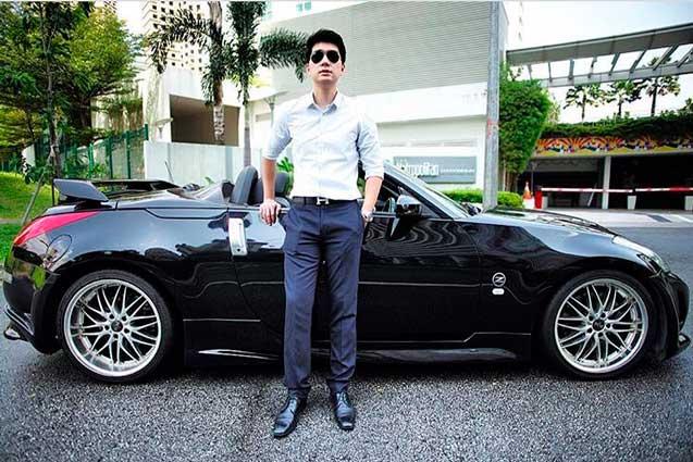 mahasiswa berusia 24 tahun bisa memperoleh pendapatan sebesar 100 juta per bulan, dan bisa membeli mobil SPORT?